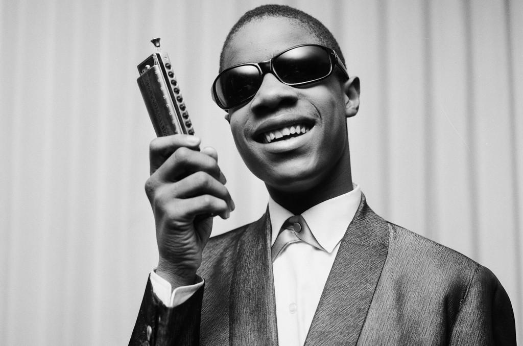 Stevie-Wonder-1963-portrait-smile-billboard-1548