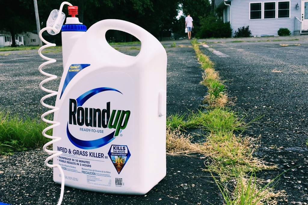 180329-glyphosate-trial-spray-bottle1