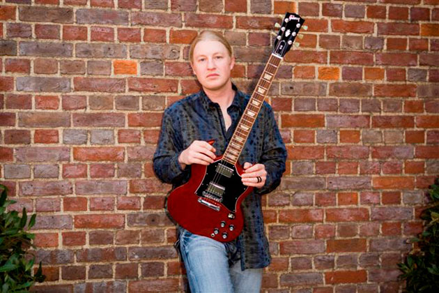 Derek-Trucks-Gibson-PR-002
