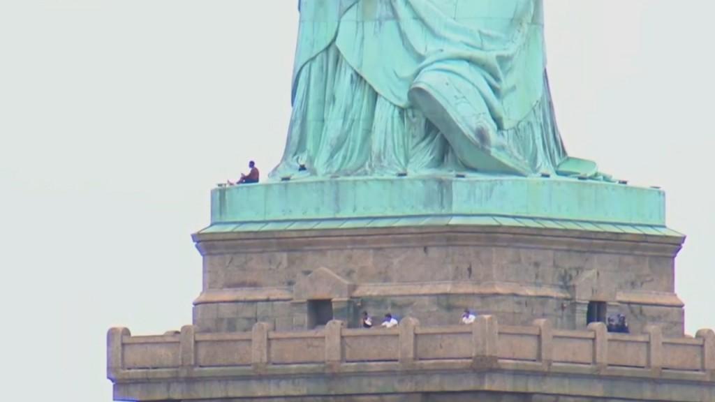 2Statue of Liberty protester_1530736860577.jpg.jpg.jpg_12313409_ver1.0_1280_720