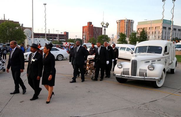 10_The-casket-arrives-at-the-Charles-H-Wright-Museum-of-Afric -